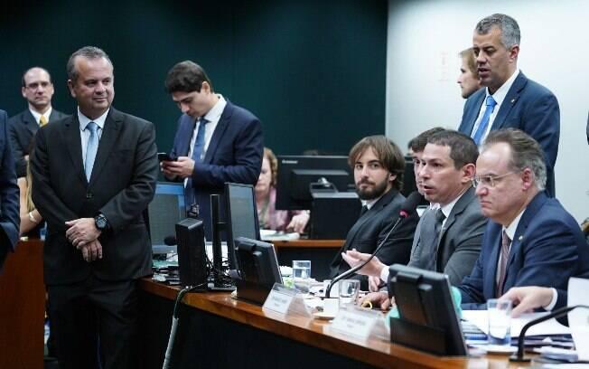 Decisão confirma um acordo selado que prevê uma nova rodada de negociações durante a votação no plenário da Câmara