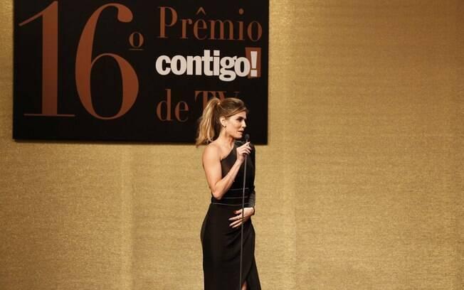 Deborah Secco no palco