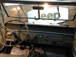 Jeep Willys MB enterrado