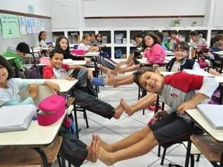 Pelo quinto ano, alunos ficam descalços em campanha