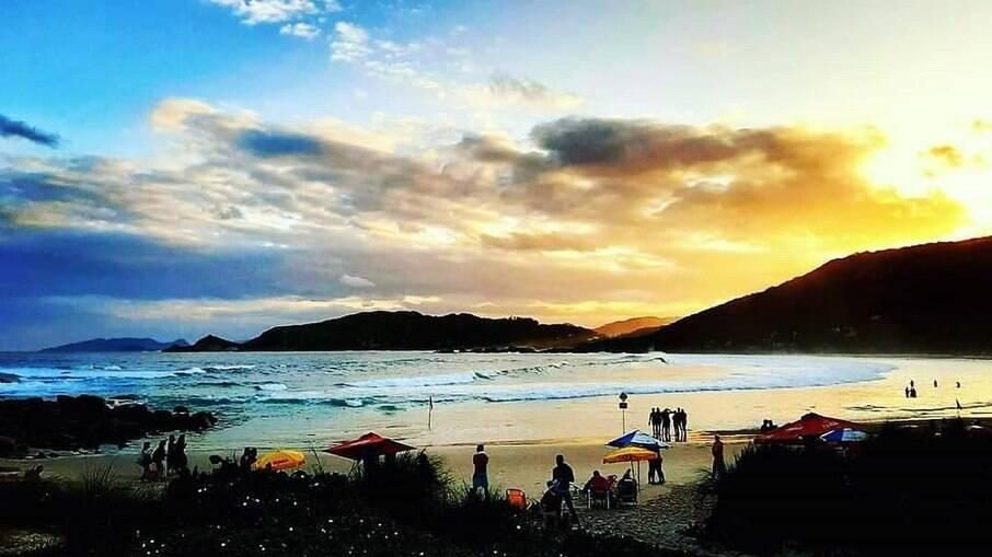 A Praia da Galheta é reservada especialmente para o naturismo