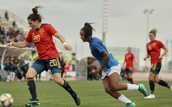 Seleção feminina perde para Espanha por 2x1 em amistoso