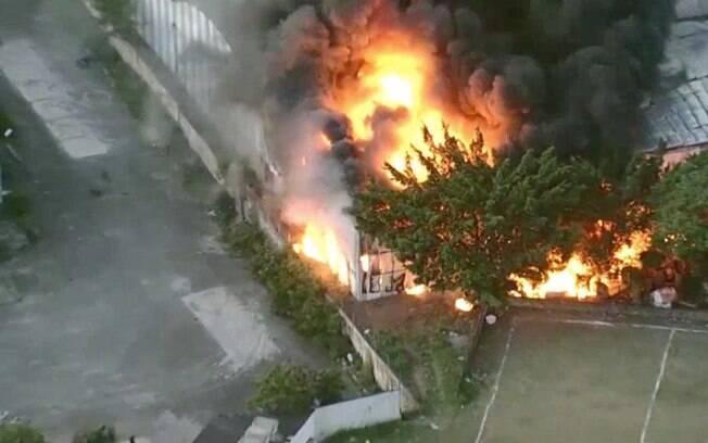 Incêndio atinge galpão da Independente Tricolor