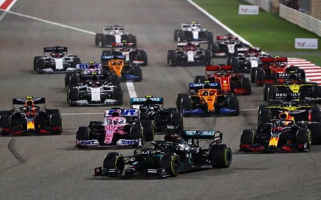 Largada no GP do Bahrein, na manhã deste domingo (29)