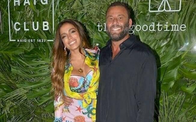 Anitta participa da inauguração do hotel de Pharrell Williams