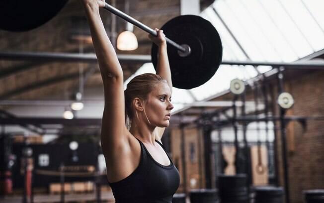 Não dá para trabalhar os mesmos grupos musculares todos os dias, já que os músculos também precisam de descanso