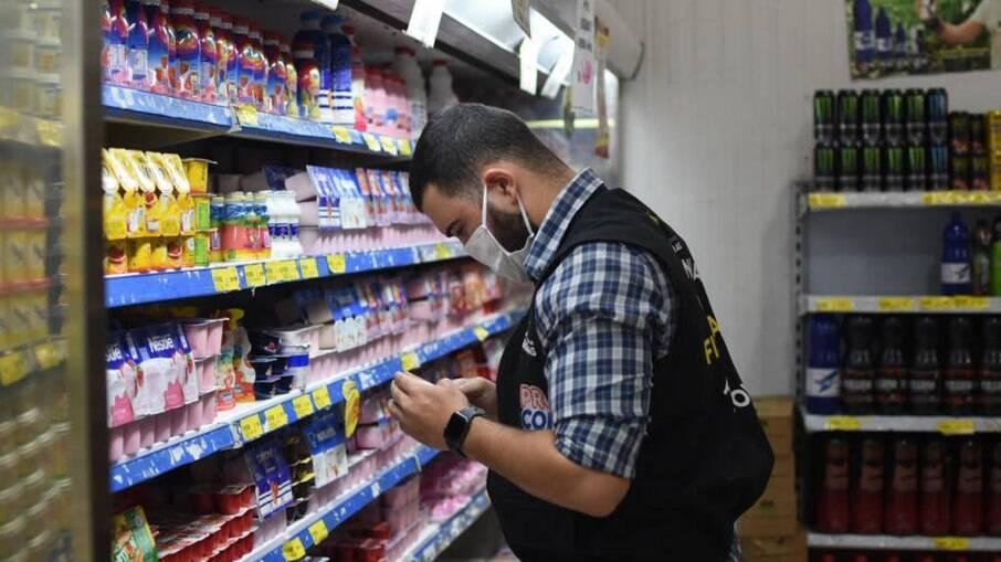 Com o crédito mais caro, o consumo tende a diminuir