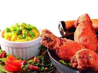 Novo.Boivindo traz coxinha de frango acompanhada de couve, angu a mineira e  arroz com queijo canastra