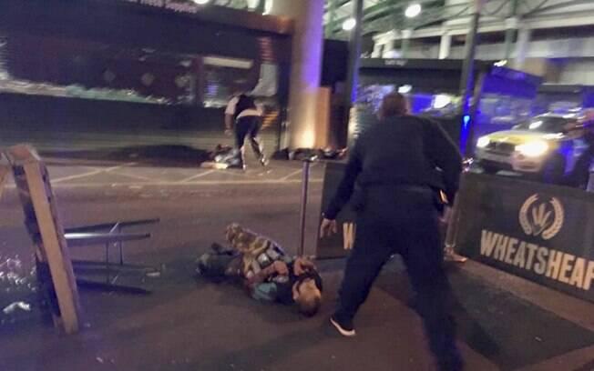 Fotógrafo Gabriele Sciotto publicou foto que seria de um dos suspeitos baleados pela polícia britânica após ataque