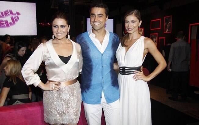 Giovanna Antonelli, Ricardo Pereira e Grazi Massafera posam na festa de lançamento de