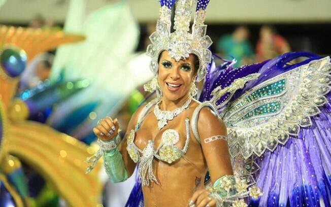 Escolha fantasias leves para pular carnaval