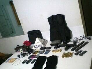 Material foi apreendido no bairro Pedra Branca, na casa de um dos suspeitos