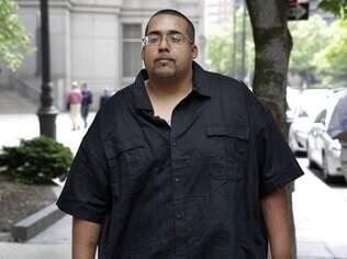 Agora livre, Monsegur deixa tribunal após audiência
