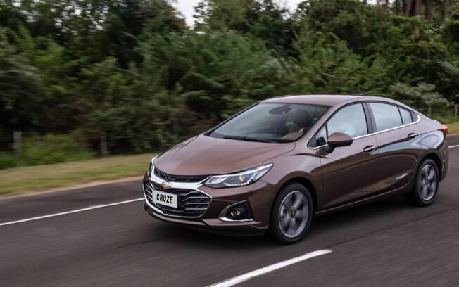Chevrolet Cruze ainda não foi lançado na linha 2021; enquanto o carro não chega, a GM corta os preços do modelo 2020