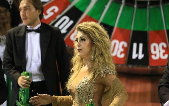A cantora Wanderlea marcou presença no desfile da Grande Rio