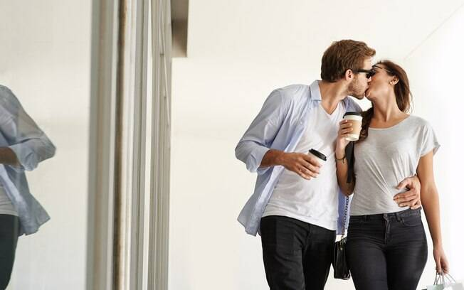 Diferentes tipos de beijo também exigem diferentes tipos de locais, já que é errado ser desrespeitoso com outras pessoas