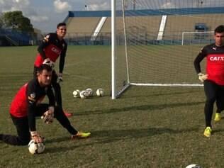 O goleiro Wilson ainda é uma dúvida para a partida contra o Flamengo