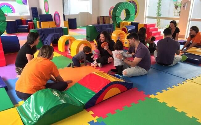 Baby Gym é uma espécie de academia focada no desenvolvimento infantil que estimula e ensina e aproxima pais e filhos
