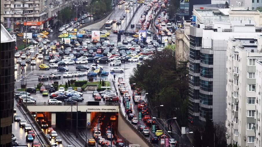 Na Grécia, Já a taxa de fatalidades por milhão de veículos diminuiu 59% desde 2008, diz especialista em segurança viária
