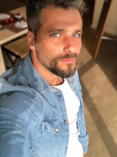 Bruno Gagliasso volta a ser internado para uma nova cirurgia de pedra nos rins