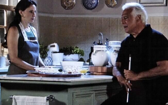 César começa desconfiar de Aline