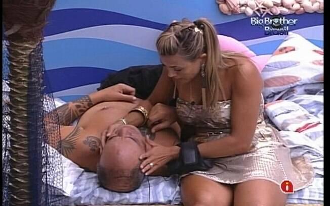 Fabiana consola João Carvalho