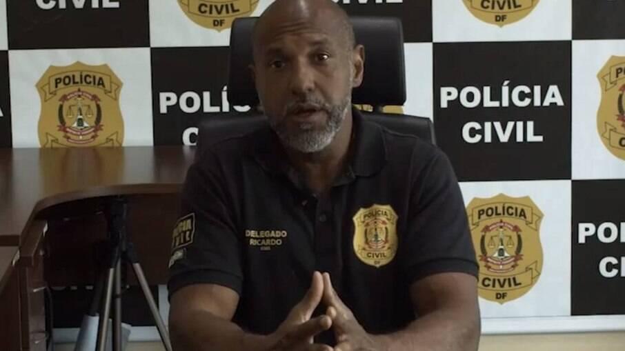 O delegado Ricardo Viana, chefe da 6ª DP