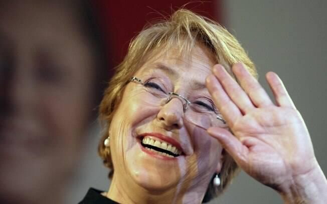 Michelle Bachelet ganhou a simpatia de brasileiros ao cantar o hino nacional