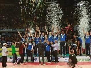 Cruzeirenses celebram mais um título que confirma o Sada Cruzeiro como melhor time de vôlei do mundo