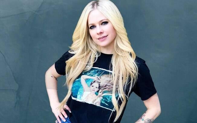 Fake News diz que Avril Lavigne está morta e foi substituída
