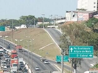 Marginal do Anel antes da praça São Vicente, que acessa a Abílio Machado