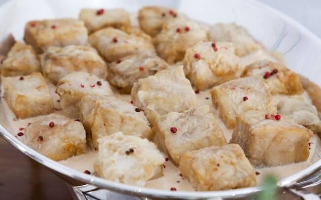 Foto da receita Bacalhau gratinado com migas pronta.