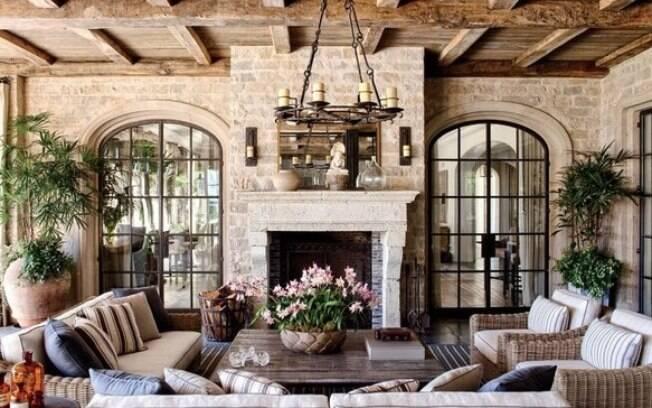 Na casa da modelo Gisele Bündchen, na Califórnia, o estilo clássico europeu prevalece