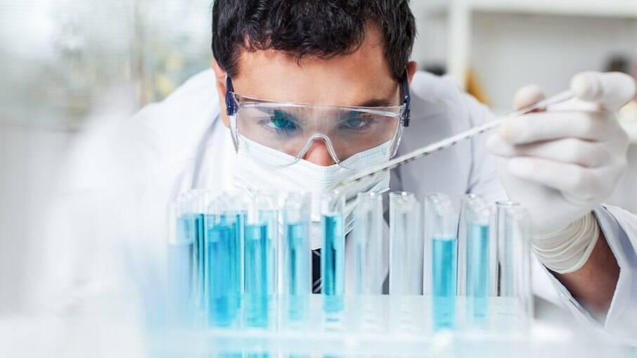 Cientistas detalham pela 1ª vez fatores genéticos que aumentam risco da Covid-19