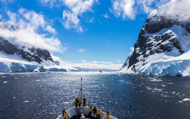 Quer fazer uma viagem para a Antártica? Confira tudo o que você precisa saber antes de ir para o continente gelado