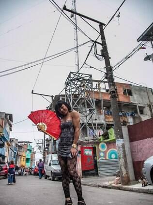 Ao andar pelas ruas da comunidade Gerô é elogiada por homens e mulheres: