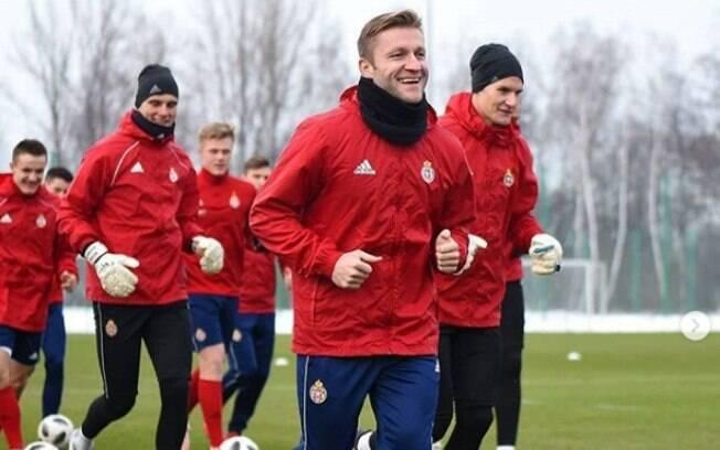 Jogador polonês que foi bicampeão alemão com o Borussia Dortmund jogará de graça no Wisla Krakow