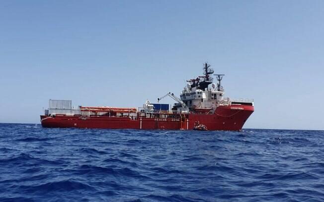 O Navio Ocean Viking transporta 356 imigrantes