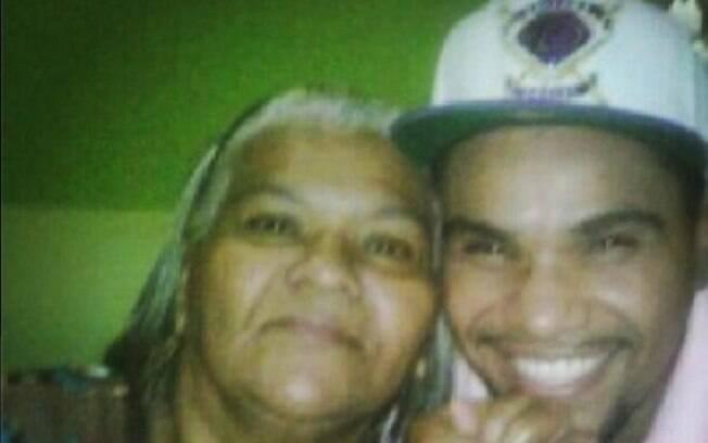 Naldo presta homenagem à mãe nesta quinta-feira no Instagram