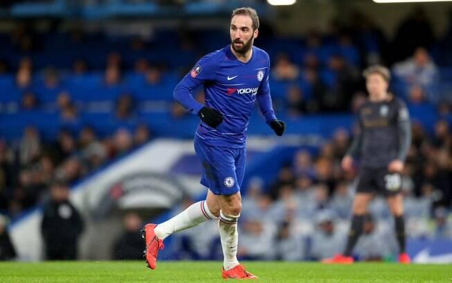 Gonzalo Higuaín já estreou pelo Chelsea após deixar o Milan e ser criticado pelo vice-premier italiano
