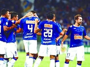 Pé no freio. Cruzeiro desacelerou na partida contra o Real Garcilaso, na quarta, visando ao confronto contra o Atlético na final do Mineiro