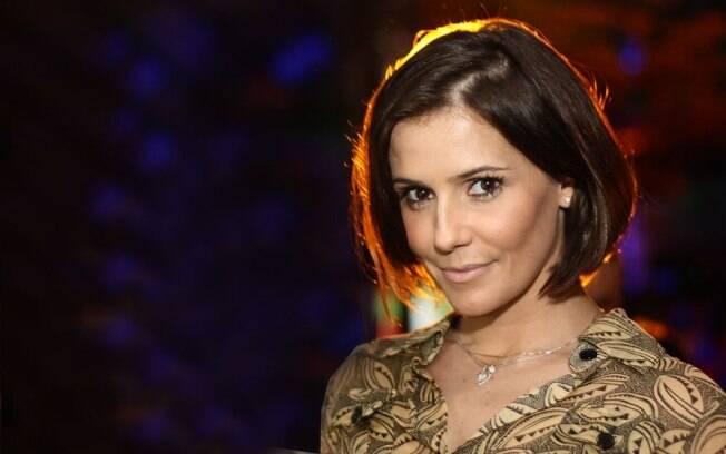 Deborah Secco afirma que será mãe e analisa ser Joelma, da banda Calypso, nos Cinemas.