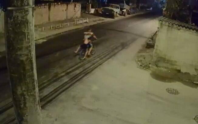 Sequestro foi registrado por câmeras de segurança.