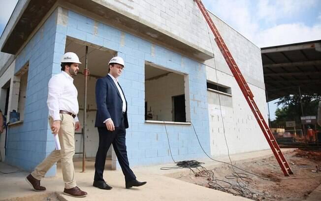 Secretário da Educação de São Paulo, Rossieli Soares, visita obras de reforma da escola Raul Brasil