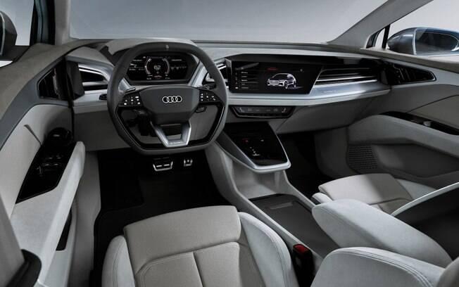 Audi Q4 vem com interior arrojado, mas mantém os retrovisores no lugar de câmeras, presentes no e-tron