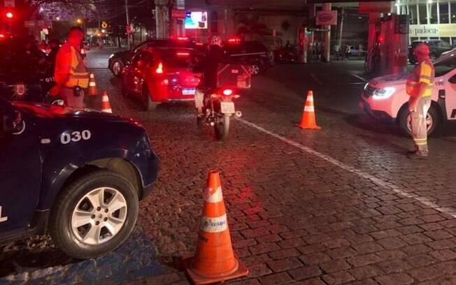 Toque de recolher dispersa 1,2 mil pessoas em aglomerações em Campinas