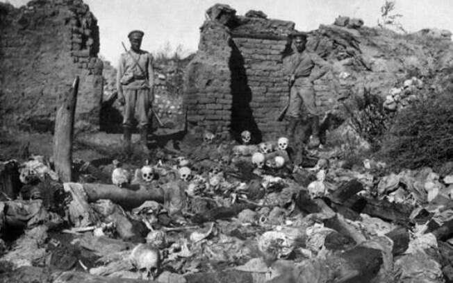 Armênia diz que 'genocídio' matou 1,5 milhão de armênios