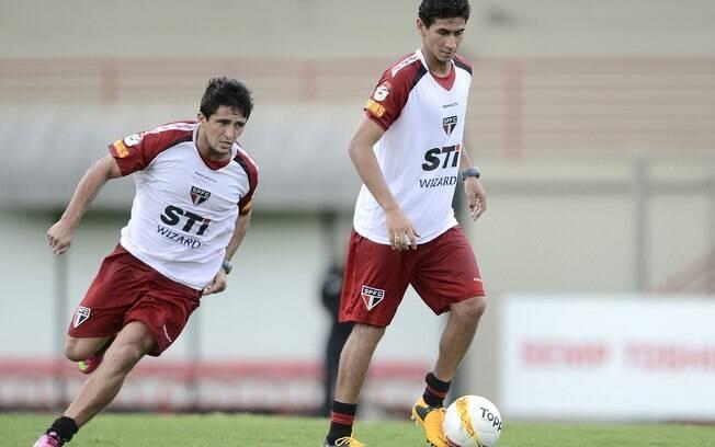 Aloísio e Ganso no treino do São Paulo às  vésperas do clássico contra o Santos