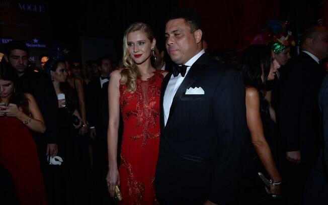 Ronaldo e Celina Locks. Foto: Raphael Castello e Francisco Cepeda/AgNews