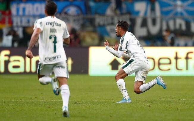 Scarpa comemora gol do Palmeiras